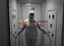 工作人员风淋消毒灭菌