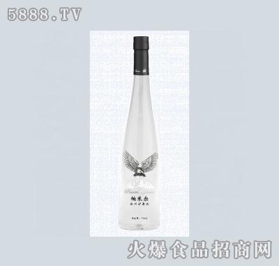 750ml手工全透明玻璃瓶装冰川矿泉水图片