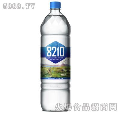 8210饮用天然矿泉水1.5L图片