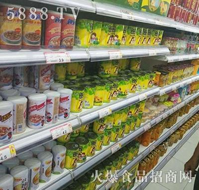 约吗黄桃水果罐头产品图