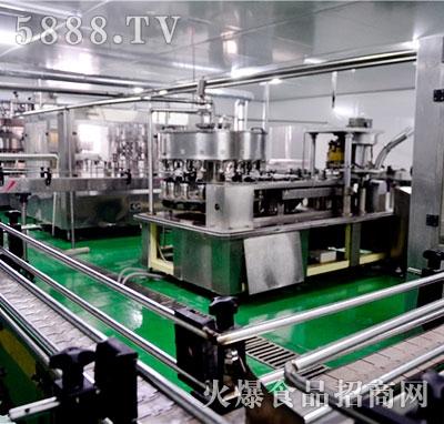 灌装车间易拉罐灌装机产品图