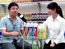 济源市益和源饮料有限公司李总接受火爆网采访
