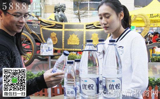 康师傅2L优悦瓶装水